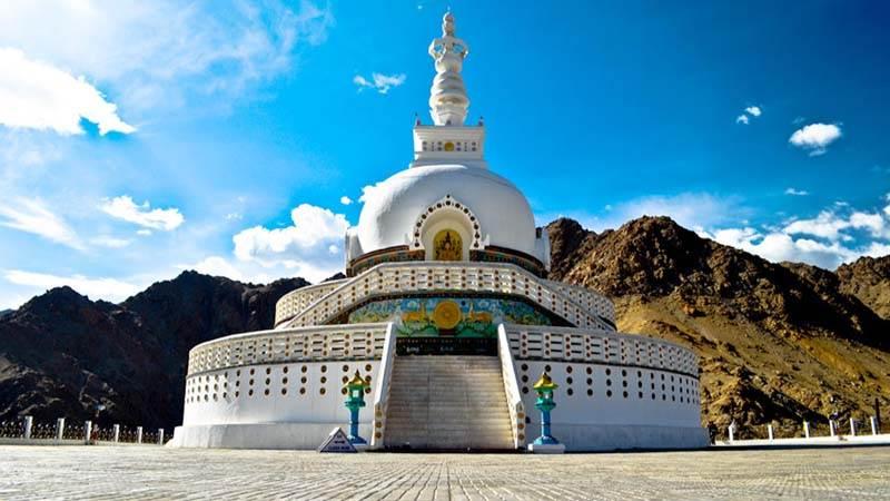 shanti-stupa-vagabondholidays2